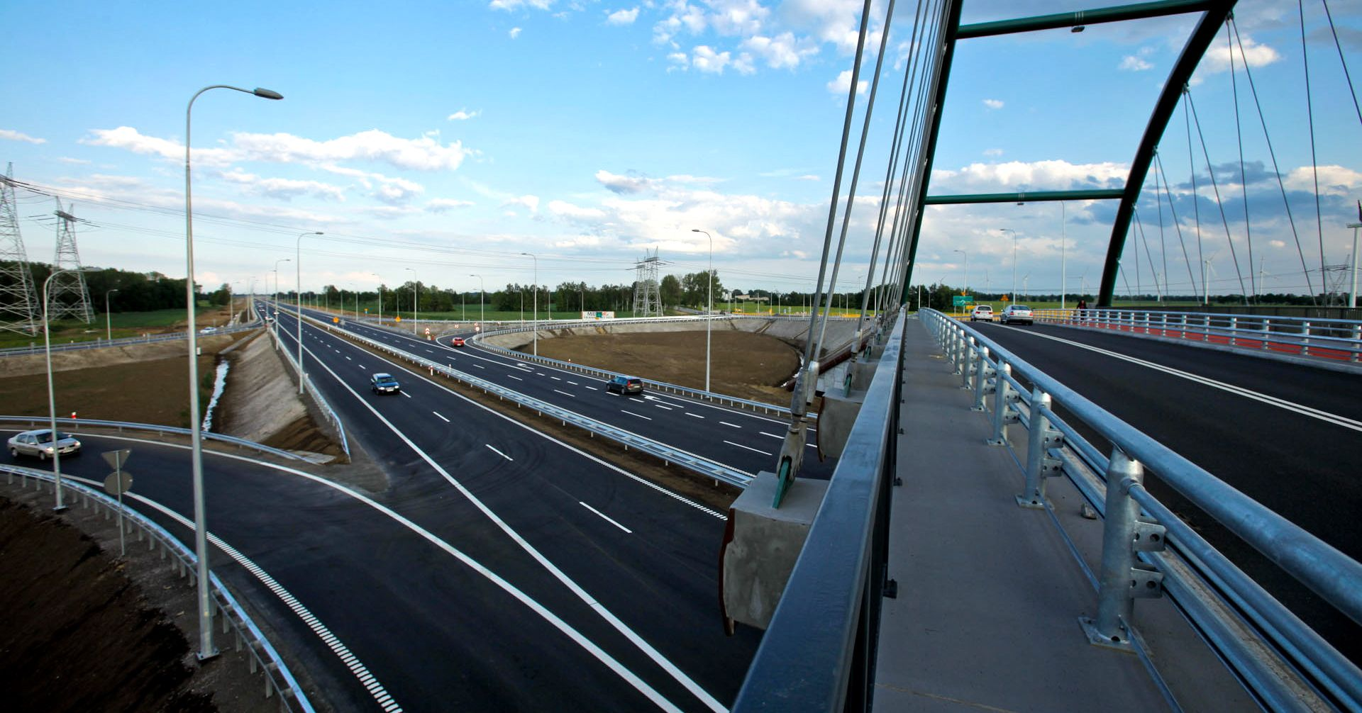 Extensive expertise in road construction and infrastructure by PORR in Poland – for example on the S7 bypass in Gdansk shown here.