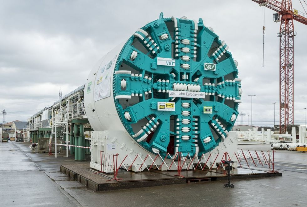 The tunnel-boring machine for the new metro tunnel with a diameter of 7.1 m.