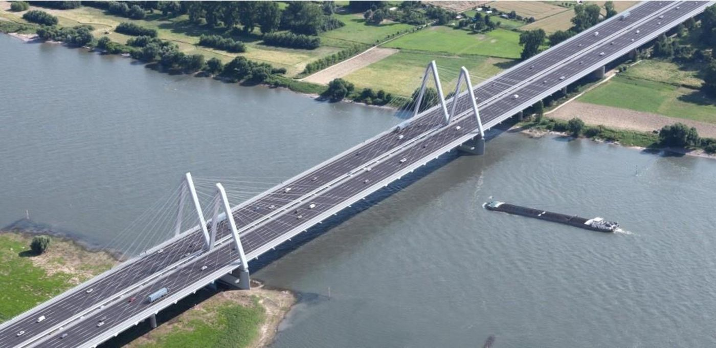 Photo: Visualisation of the future motorway bridge – two separate structures running parallel to each other across the Rhine